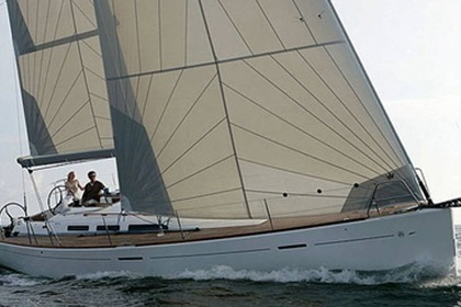 Hire Sailboat DUFOUR 45E Performance Agde