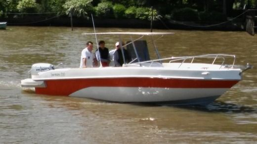 Motorboat Bermax 700 for hire