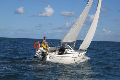 Charter Sailboat BENETEAU FIRST 211 Saint-Cast-le-Guildo