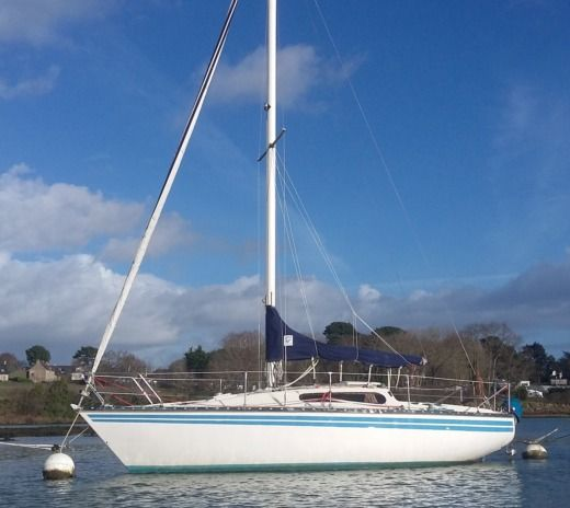 Sailboat KELT 8 DL for hire