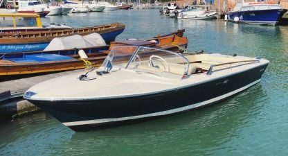 Charter Motorboat Riva Rudy Venice