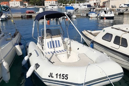 Charter Motorboat Zodiac Medline I Jelsa