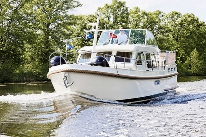 Hire Houseboat LINSSEN GRAND STURDY 36.9 AC Zehdenick