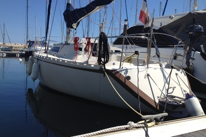 Hire Sailboat BENETEAU First 32 GTE Sari-Solenzara