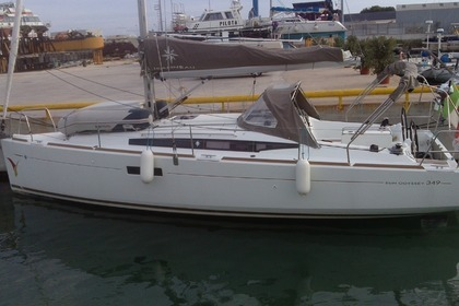 Hire Sailboat JEANNEAU 349 Trapani