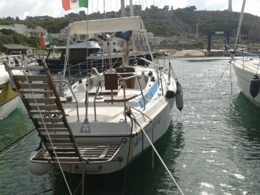 Sailboat Cbs Serenity 35 for hire