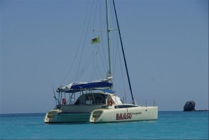 Location Catamaran Fountaine Pajot Antigua Nosy-Be