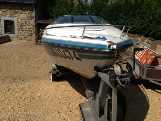 Chris Craft 210 Cuddy Cabin en Saint-Laurent-du-Var en alquiler