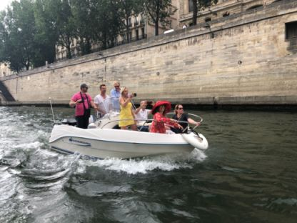 Rental Motorboat Quicksylver Flamingo 5.25 Paris
