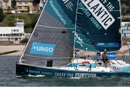 Rental Sailboat BENETEAU FIGARO2 Brest