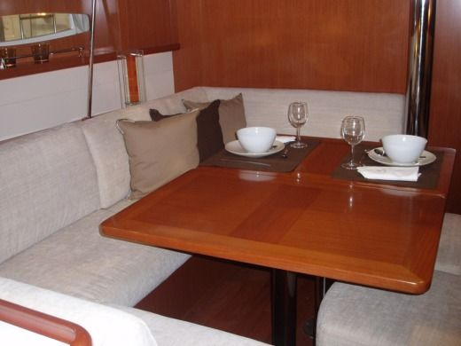 Sailboat BENETEAU Oceanis 46 for hire