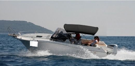 ATLANTIC 750 SUN CRUISER a Split da noleggiare