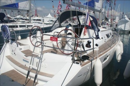 Hire Sailboat JEANNEAU Sun Odyssey 39 I Las Galletas