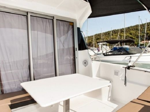 Rental Motorboat Jeanneau 795 Split