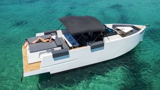 De Antonio Yachts D33 Open in Ibiza