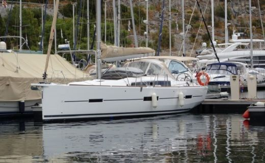Dufour 412 Grand Large in Primošten for hire