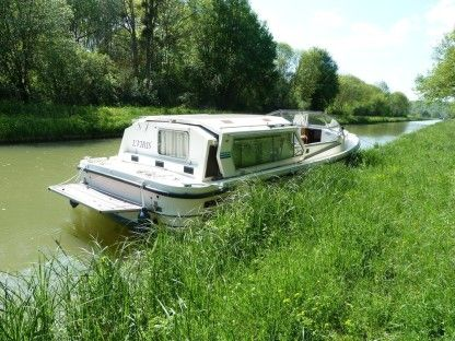 Rental Motorboat Connoisseur Tradition Montbard