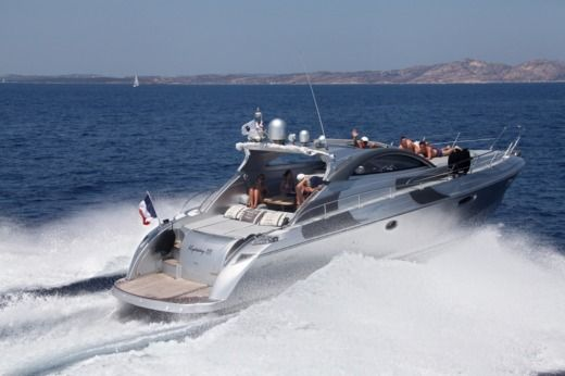 RIZZARDI INCREDIBLE 45 in Antibes peer-to-peer