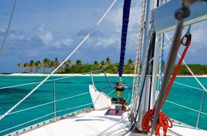 Charter Sailboat Beneteau Oceanis Clipper 423 Fort-de-France Bay