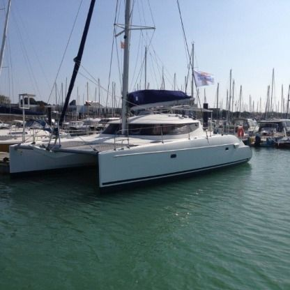 Rental Catamaran Fountaine Pajot Lavezzi 40 La Rochelle
