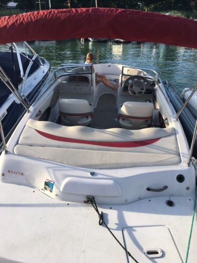 FOUR WINNS Horizon 180 in Annecy-le-Vieux zu vermieten