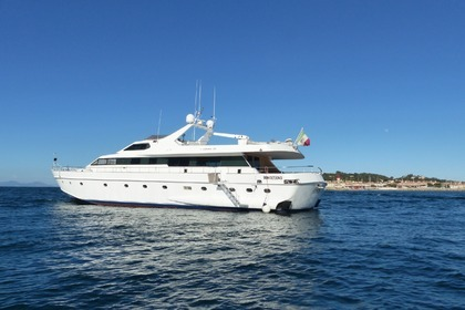 Location Yacht Cantieri Navali Lavagna Admiral 30 Cannes
