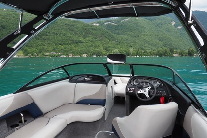 Hire Motorboat MALIBU V RIDE 21 Annecy