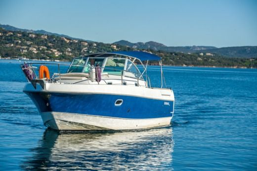 Beneteau Ombrine 800 in Porto-Vecchio for hire
