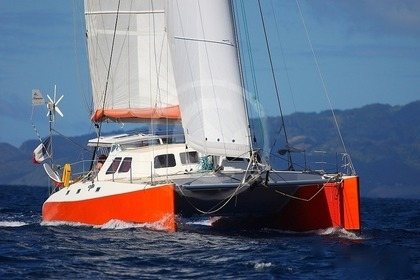 Location Catamaran OUTREMER  BOHEME 46 Sainte-Anne