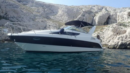 Motorboat Bayliner 285sb for hire