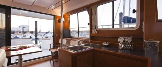 Motorboat Beneteau Swift Trawler 34 for hire