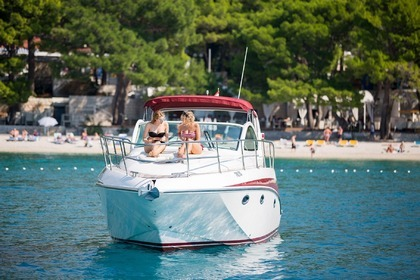 Rental Motorboat Pearlsea Yachts 33 Open Split