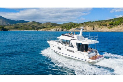 Charter Motorboat Swift Trawler  41  Split