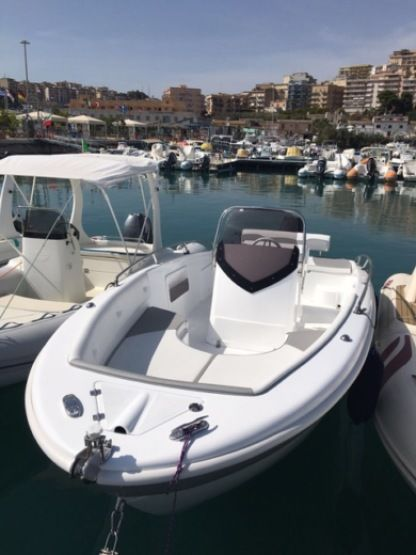 Rental Motorboat Salmieri Calipso Sciacca