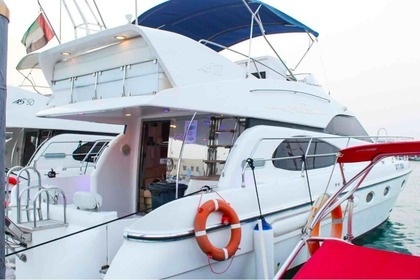 Hire Motorboat Majesty 50 Dubai