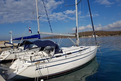 Hire Sailboat BAVARIA 38 Njivice