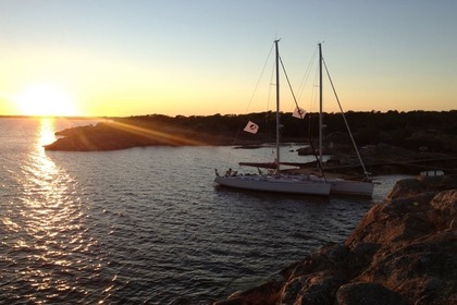 Hire Sailboat GRAND SOLEIL 50 Stockholm