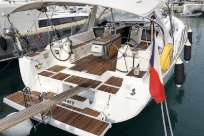Hire Sailboat Beneteau Oceanis 45 Ayamonte