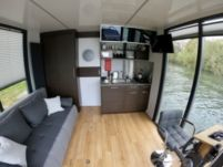 Houseboat Custom Houseboat Thames Edition for hire