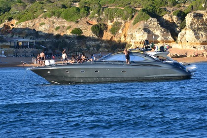 Location Yacht Sunseeker 64 Predator Quarteira