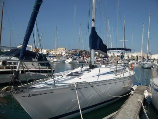 Sailboat Beneteau First405 for hire