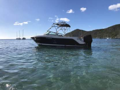 Rental Motorboat Robalo R-227 Fort-de-France Bay