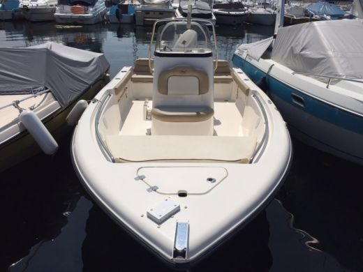 Motorboat Keywest 189Fs for hire
