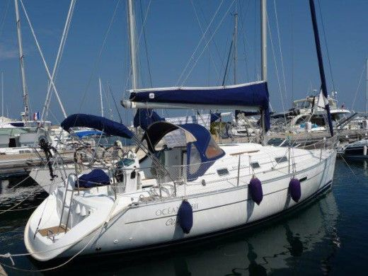 Sailboat Beneteau Oceanis 311 for hire
