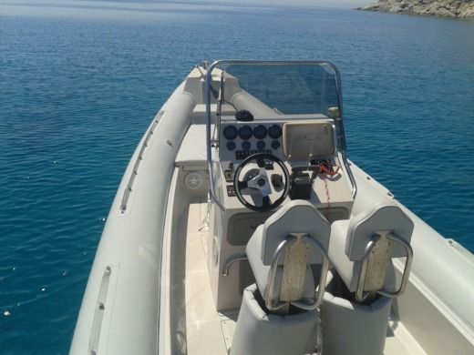 Scorpion 860 in Ermioni for hire