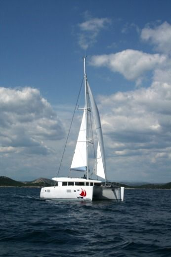 BAVARIA 400 in Murter-Kornati for hire