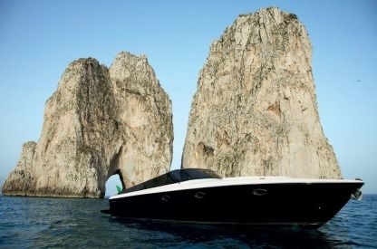 Charter Motorboat Itama Itama Forty Balearic Islands
