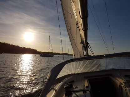 Rental Sailboat Hanse Hanse 370 St-Malo