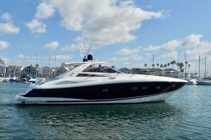 Hire Motorboat SUNSEEKER Sunseeker 53 Quarteira