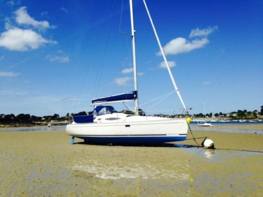 Charter sailboat in Arzon peer-to-peer